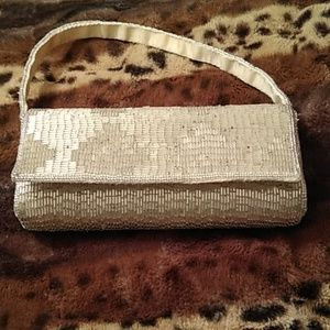 Cache small gold beaded purse